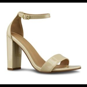 Sexy Strappy Chunky Heel Nude Patent Sandal 9M